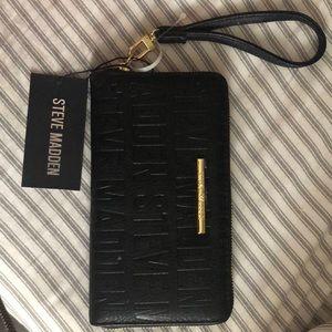 Steve Madden black zip around wallet